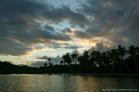 The magic of dawn light at the Ilha dos Tatus