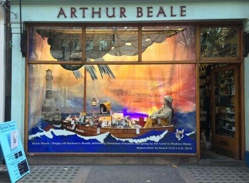 Shop Window Display 141120-2
