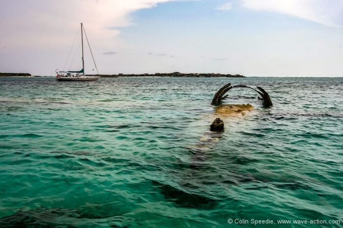 Wrecked drug smuggling plane, Normans Cay